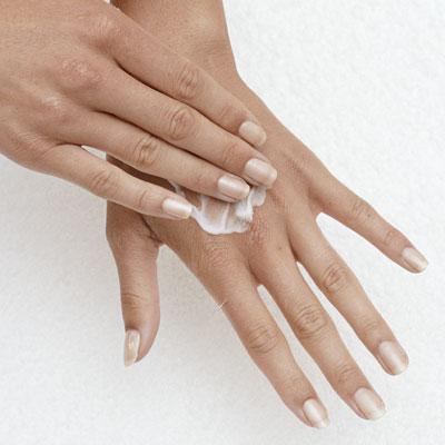 Как и какими средствами можно увлажнить кожу лица
